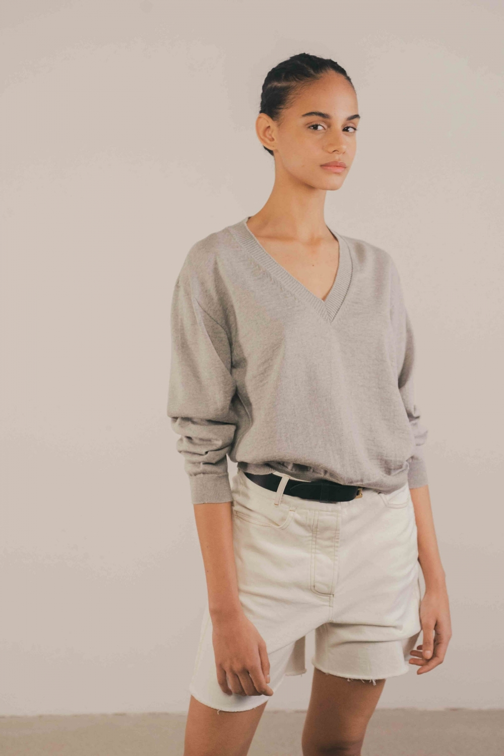 V-NECK MERINO SWEATER IN...