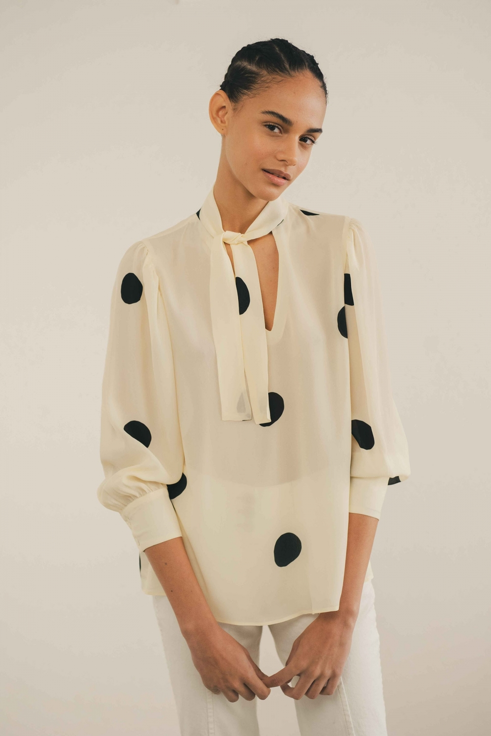 BOW SHIRT WITH OVERSIZED...