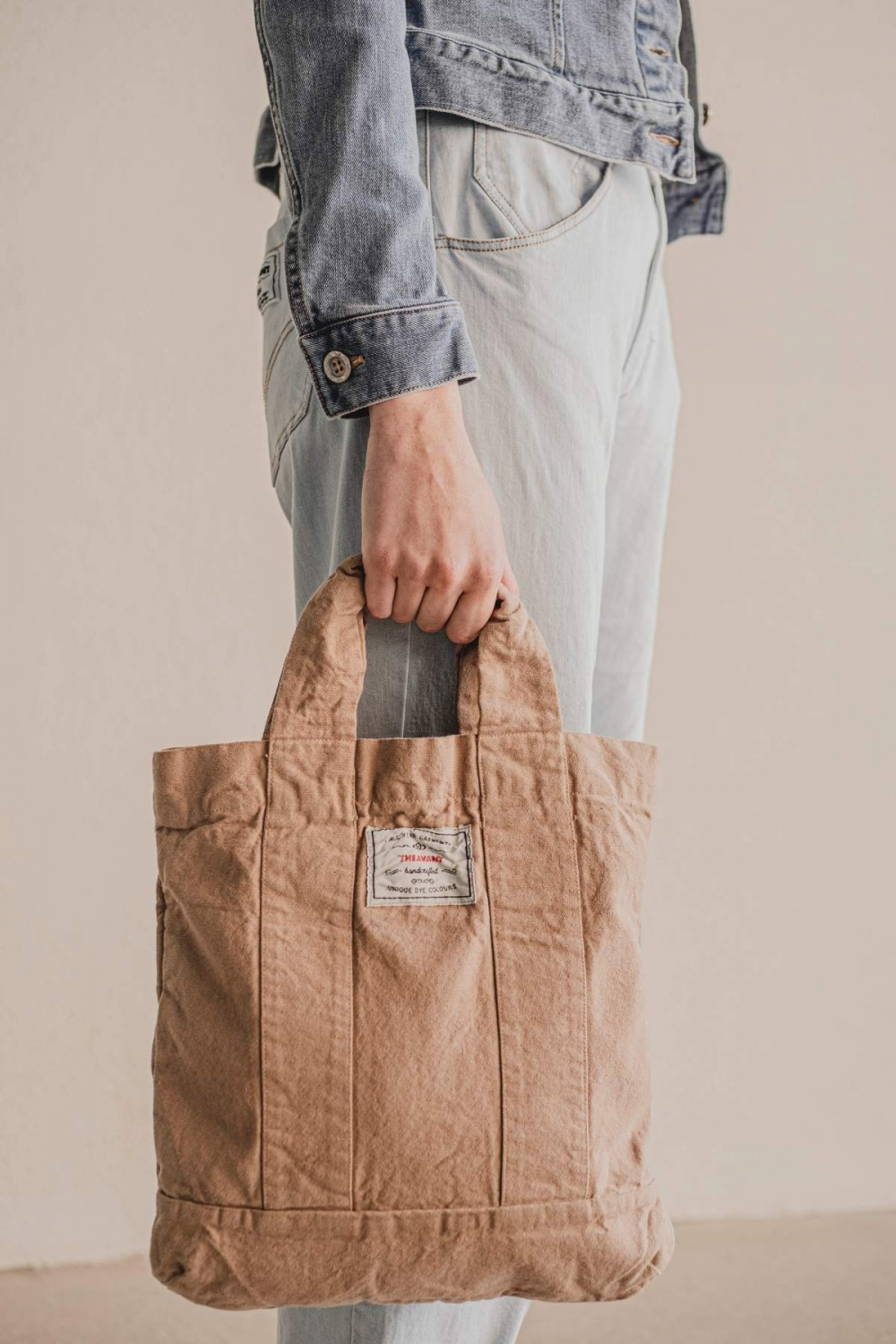 THEAVANT TOTE BAG IN DUSTY...